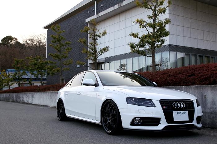 加古川市 T様 Audi A4/B8