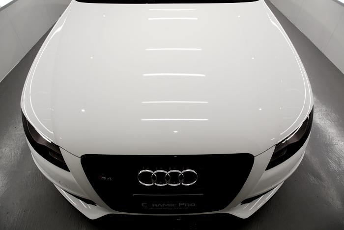 Audi A4/B8セダン