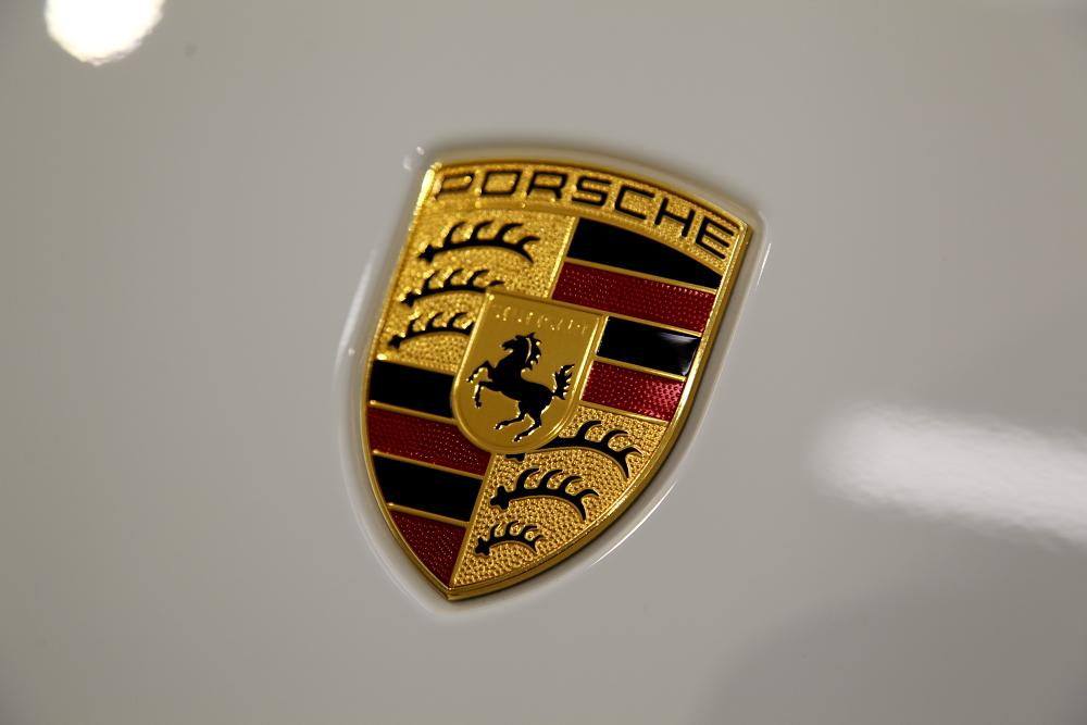 Porsche 911/991.2 カレラS & CERAMIC PRO 9H 4レイヤー + RAIN施工!!