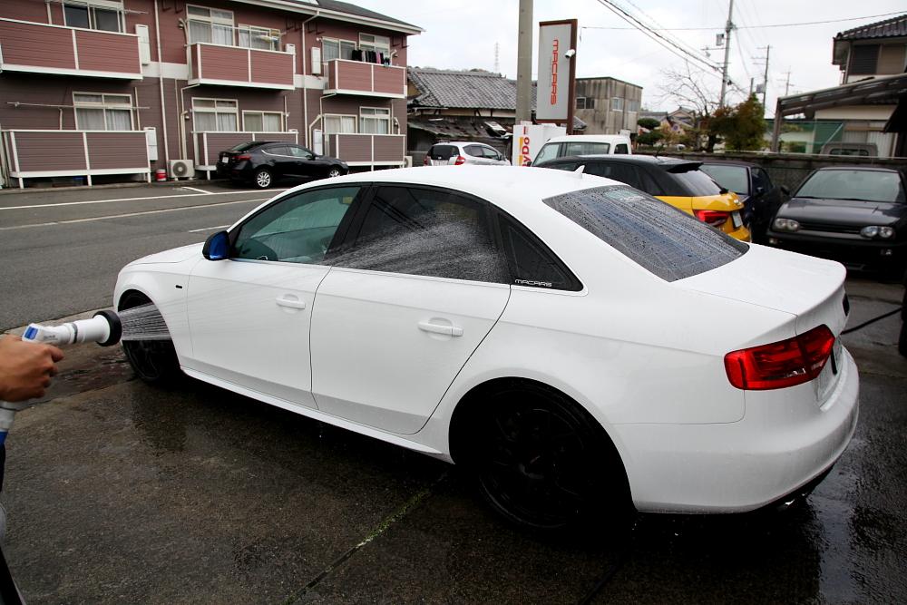 Audi A4/B8セダン & コーティング定期メンテナンス!!