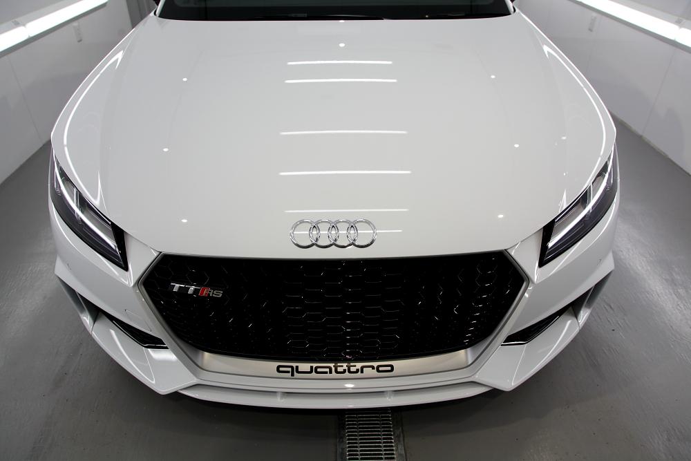 Audi TTRS/8S & CERAMIC PRO 9H 4レイヤー+YAWARAレザーコーティング施工!!