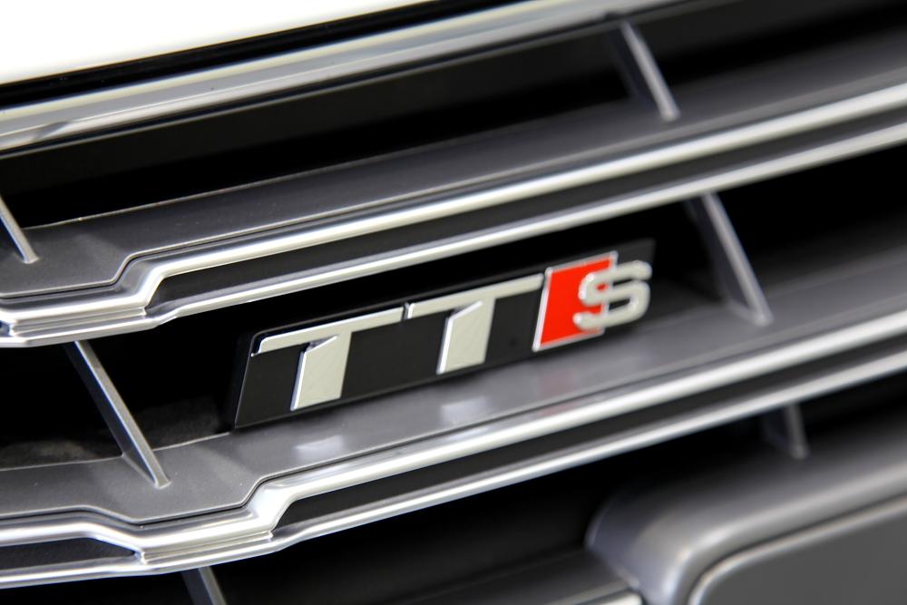Audi TTS/8S & 鏡面磨き+GYEONガラスコーティング+Clearguard施工!!