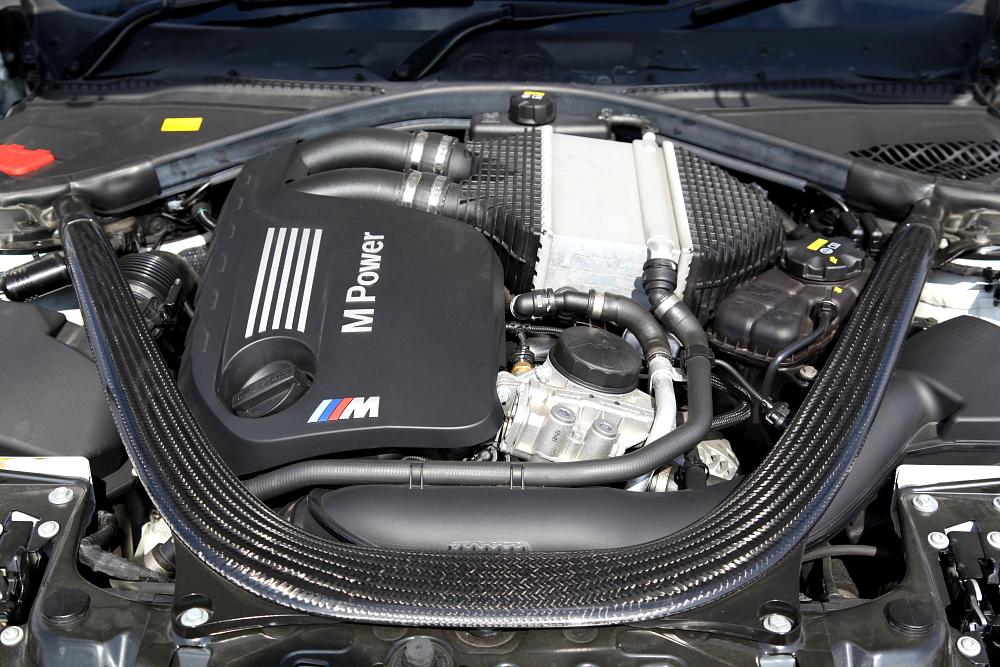 BMW F82/M4 新着入庫車輌!!