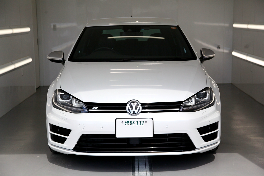 VW MK7/GOLF-R & ボディ定期メンテナンス+鏡面磨き+トップコート施工!!