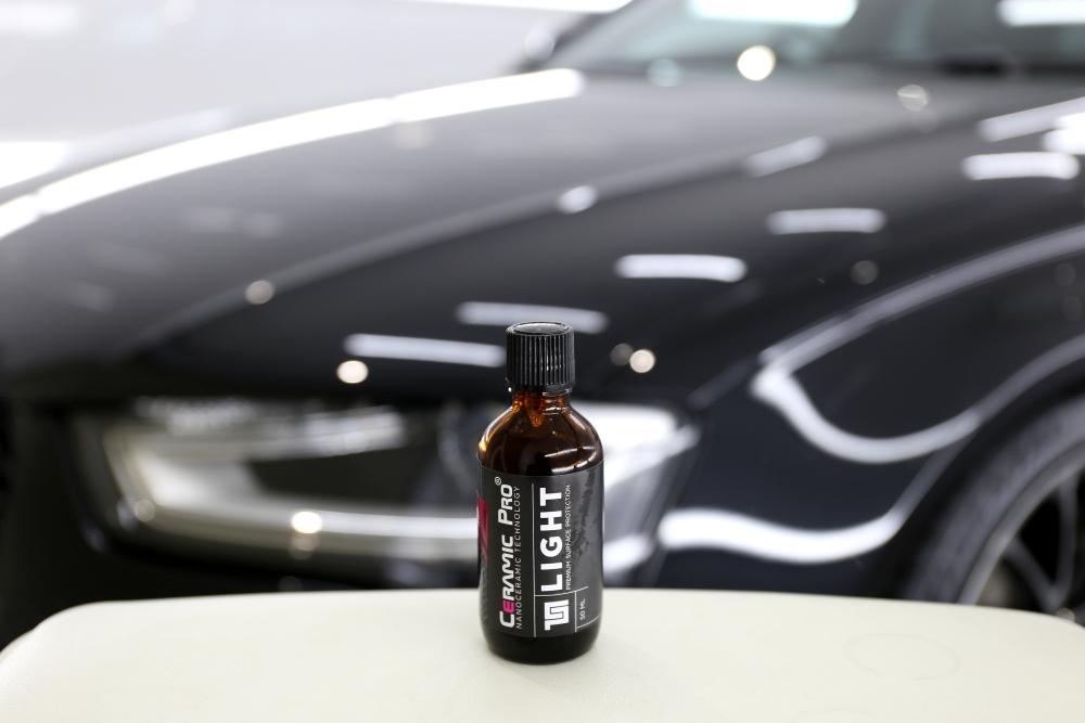 Audi A4/B8.5 Avant & コーティング・定期メンテナンス施工!!