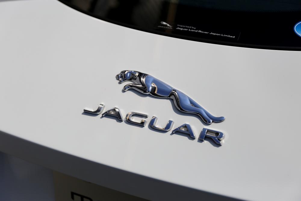 JAGUAR F-TYPE クーペR & 新着入庫車輛!!