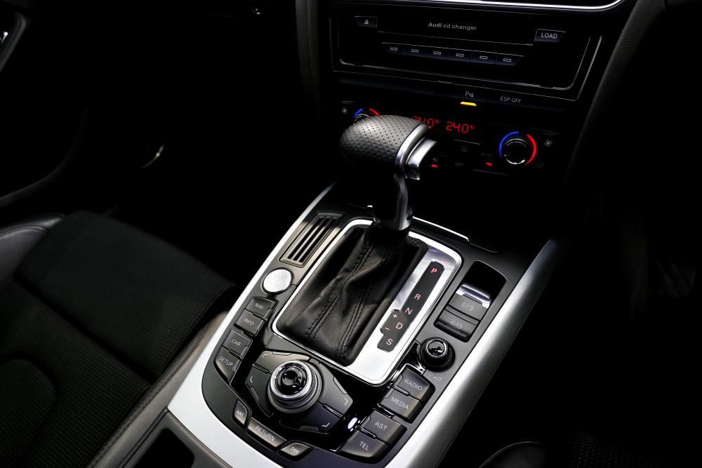 Audi A4/B8 S-LINE