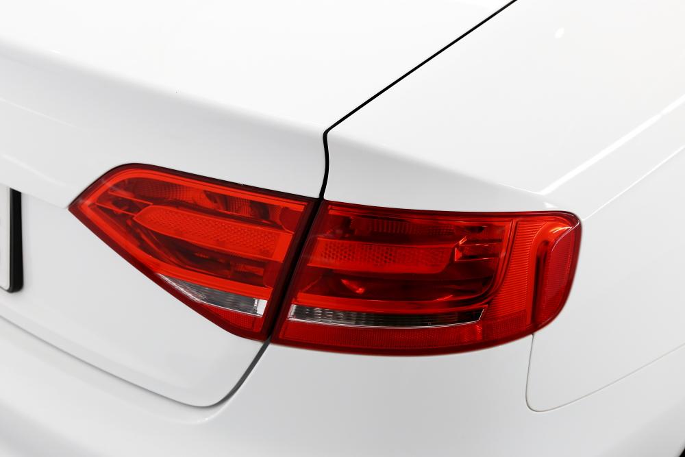 Audi A4/B8 Sedan